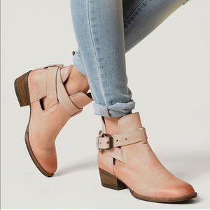 NEW Very Volatile Fiery Leather Ankle Boots 8.5